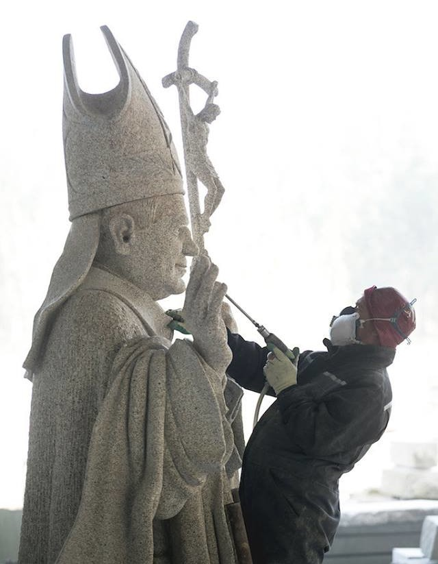 escultura joão Paulo II (3)[1]